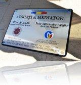 firma metalica gravat cabinet avocat si mediator