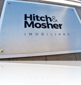 placa firma gravata in aluinox Hitch&Mosher, imobiliare, Bucuresti