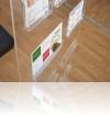 4-display-brosuri-din-plexiglas-premium